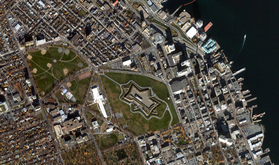 1m IKONOS imagery for Citadel Hill (Fort George), Halifax, Nova Scotia, Canada